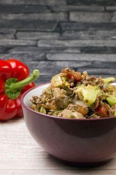 Low Carb Brokkoli-Hackfleisch-Pfanne - Gaumenfreundin Foodblog #schnellerezepte #gesunderezepte #soulfood #lowcarb #lowcarbrezepte
