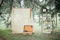 ©M Photography - Mariage en Dordogne - La mariee aux pieds nus