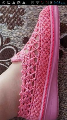 Discover thousands of images about - Entrada - Vivo Internet Discada Webmail - vicmarcia Crochet Sandals, Crochet Boots, Love Crochet, Crochet Clothes, Knit Shoes, Sock Shoes, Shoe Boots, Crochet Shoes Pattern, Shoe Pattern