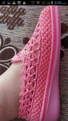 Hermosa zapatilla cerrada