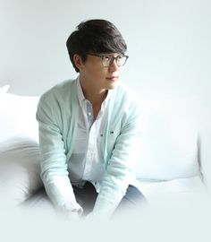 성시경 Sung Si Kyung, Kim Woo Bin, Korean Entertainment, Old Ones, Kpop Groups, Gorgeous Men, Idol, People, Glasses