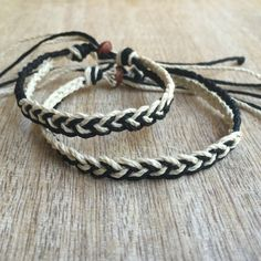 His and her Bracelet Black and Natural Couple Hemp by Fanfarria