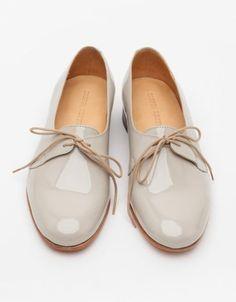 magnifique chaussure beige a lacet