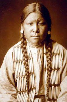 Northern Cheyenne girl – 1905