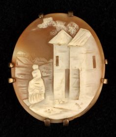 Cameo Brooch, 1800-1880. Shell, metal. Gift of Sarah S. Lyon, 1958, New-York Historical Society, Z.2267.1.