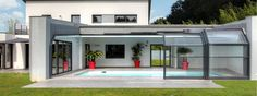 Lean-to standing height angular pool enclosure | Abrisud pool enclosure - Pool enclosure manufacturer