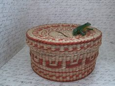 Hey, I found this really awesome Etsy listing at https://www.etsy.com/listing/223493966/elaborate-hand-woven-orange-and-tan