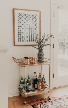 """Excellent """"bar cart decor inspiration"""" info is readily available on our internet site. Read more and you wont be sorry you did. Decor Interior Design, Interior Decorating, Decorating Ideas, Apartments Decorating, Modern Interior, Modern Decor, Bohemian Decorating, Modern Lamps, Bohemian Interior"""