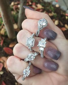 Frolicking in the Fall weather.. with diamonds. 😍✨💍 We are loving these three-stone variations by Verragio!