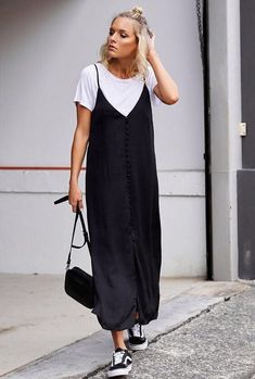 Slip Dress Outfit, Dress Outfits, Black Slip Dress, Nice Dresses, Casual Dresses, Casual Outfits, Dresses Dresses, Comfortable Outfits, Simple Dresses