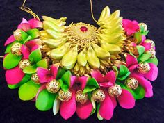 Flower Garland Wedding, Bridal Hair Flowers, Floral Garland, Flower Garlands, Bridal Decorations, Flower Decorations, Flower Hair Accessories, Wedding Hair Accessories, Bridal Hairdo