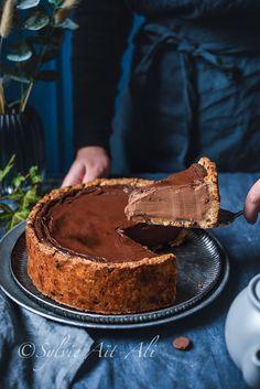 Flan pâtissier au chocolat sur pâte à cookies No Cook Desserts, Delicious Desserts, Pastry Recipes, Cake Recipes, Dessert Breton, Chocolat Cake, Chocolate Pastry, Bread Cake, Cookies Et Biscuits