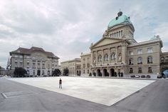 The space around government buildings is often fenced off and high security. Not so in Bern where Parliament Square is the most democratic and accessible of spaces.  Farmers sell their produce here, children play in the fountains, political campaigns are launched and activities range from concerts to demonstrations to ice-skating. This gallery takes a look at the 10 years since Parliament Square was newly designed in 2004.