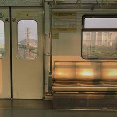 aesthetic and train image City Aesthetic, Beige Aesthetic, Aesthetic Photo, Aesthetic Pictures, Photowall Ideas, U Bahn, Film Photography, Photography Aesthetic, Travel Photography