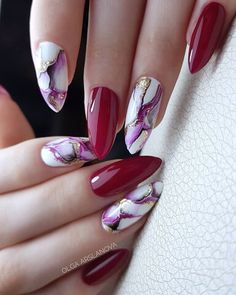 Grey Nail Designs, Marble Nail Designs, Elegant Nail Designs, Gem Nails, Pink Nails, Daisy Nail Art, Daisy Nails, Nagel Bling, Feather Nails