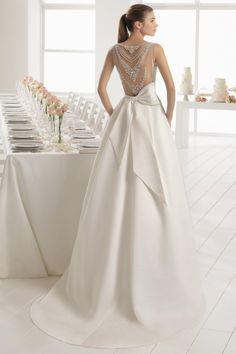 Wedding Dress Inspiration - Aire Barcelona - Wedding And Engagement Wedding Robe, Backless Wedding, Lace Wedding Dress, Mod Wedding, Dream Wedding Dresses, Bridal Dresses, Wedding Gowns, Lace Bride, Wedding Venues