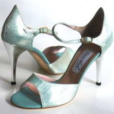 love these as wedding shoes, but 9 cm heel is too hight.  Comme il faut