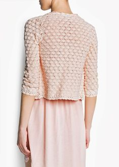 It is a website for handmade creations,with free patterns for croshet and knitting , in many techniques & designs. Pull Crochet, Gilet Crochet, Crochet Cardigan, Crochet Stitches, Knit Crochet, Knitwear Fashion, Crochet Woman, Irish Lace, Crochet Clothes