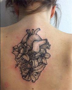 La guida al tatuaggio di Amanda Toy - VanityFair.it