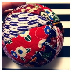 和コモノDIY*手毬オブジェ作り方♡ | ぴぃ★Diary♡♡ Coin Purse, Wallet, Purses, Hats, Handmade, Asia, Handbags, Hand Made, Hat