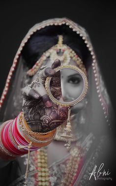 indian wedding photography and cinematography Indian Wedding Poses, Indian Wedding Pictures, Wedding Couple Photos, Indian Wedding Couple Photography, Bridal Photography, Photography Ideas, Bridal Photoshoot, Kajal, Dulhan Pic