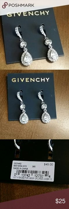 Auth Givenchy Lever back Earrings Bnwt Gorgeous earrings Retail is 45.00 plus tax No trades or try on Givenchy Jewelry Earrings