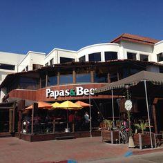 Uno de los lugares mas conocidos en #Ensenada, debido a su gran ambiente y buena musica por las noches, Papas & Beer Ensenada Aventura por franciscojbermudez — with Maria Teresa Eslava Peralta. #drinks #nightclub #bar #beer #funny #Mexico #Baja #BC #enjoy #visit #vacation #travel