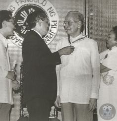 https://flic.kr/p/gfUJVh | President Ramos confers the Presidential Plow Award on former President Diosdado Macapagal | President Ramos confers the Presidential Plow Award on former President Diosdado Macapagal during the 30th Anniversary Celebration of the Agricultural Land Reform Code at Malacañang. The code abolishing tenancy was authored by Macapagal in 1963.  (Photo taken from From Nipa Hut to Presidential Palace, Autobiography of President Diosdado P. Macapagal)