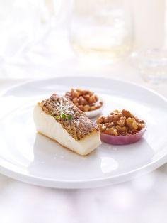 Bar meunière, oignons confits et caramel aux noix d'Anne-Sophie Pic - Châtelaine