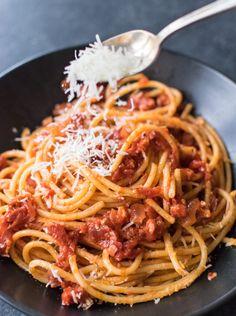 458 Likes, 40 Comments - Carolyn Spaghetti Recipes, Pasta Recipes, Dinner Recipes, Cooking Recipes, Spaghetti All Amatriciana, Pasta Amatriciana, Italian Dishes, Italian Recipes, Italian Foods