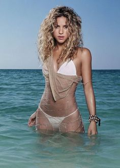 Shakira!!! my first dream woman and all ways my dream woman!