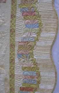 strip border - scalloped edge with great quilting on baby quilt : COUNTRY LOG CABIN: QUILT SHOW