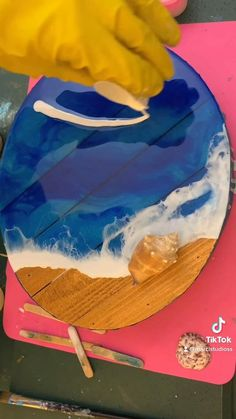 Going to add 1 final layer. Acrylic Resin, Acrylic Art, Diy Wall Art, Diy Wall Decor, Diy And Crafts, Arts And Crafts, Ocean Crafts, Resin Tutorial, Diy Projects For Beginners
