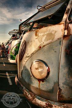 comfort thy van lover Bus Camper, Vw Caravan, Volkswagen T1, Vw Bus T1, Volkswagen Models, Combi Split, Van Vw, Vw Camping, Rat Look