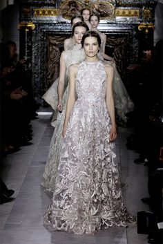 Sfilata Valentino Parigi - Alta Moda Primavera Estate 2013 - Vogue