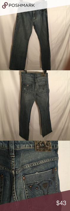 Men's buffalo jeans 36x 33 Delson style Men's buffalo men's Delson style 36x33 worn once with cool back pocket detailing. Straight to a relaxed leg . Buffalo David Bitton Jeans Straight