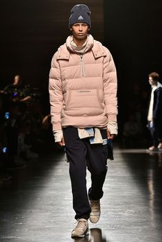 Kith Spring 2018 Ready-to-Wear Fashion Show Collection Trendy Mens Fashion, Tomboy Fashion, Urban Fashion, Fashion Men, Streetwear Fashion, Fashion Outfits, Cyberpunk Clothes, Smart Casual Men, Fashion Show Collection