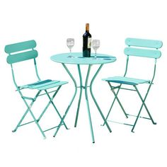 Enjoy alfresco brunches and poolside cocktails with this chic bistro set, featuring 2 steel chairs and a table in a stylish shade of blue.  ...