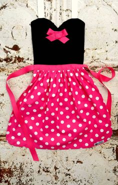 Queen Elizabeth Aprons copyright© 2014 and beyond  Recently featured in Utah Valley Magazine!  The perfect dress-up for your little one! Fantastic for Disneyland, Disney World and birthday parties! Find the Pink and white polka dot version here: https://www.etsy.com/listing/215183075/pink-dot-minnie-mouse-costume-apron?ref=shop_home_active_1  Find Mickey here: https://www.etsy.com/listing/232472847/mickey-mouse-disney-junior-jr-cartoon?ga...