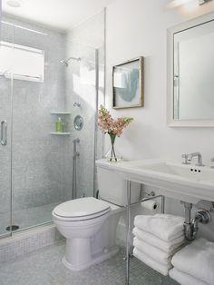 53219698001eab80_0567-w500-h666-b0-p0--beach-style-bathroom