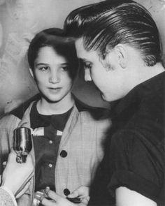 Elvis always had time for his fans