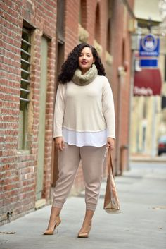 Faux Fur Infiniti Scarf,  Plus Size Joggers (Fall Neutral) @oldnavy  #OldNavyStyle