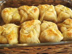puff pastry apple dumplings (Apple Recipes Puff Pastry) Ingredients For A. Apple Recipes With Puff Pastry, Puff Pastry Desserts, Apple Dessert Recipes, Apple Tart Puff Pastry, Fruit Recipes, Puff Pastry Ingredients, Apple Dumplins, Strudel Recipes, Pie Recipes
