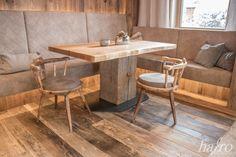 ORIGINAL 1. PATINA  LÄNGE: 1650 mm BREITE: 120 – 220 mm STÄRKE: 20 mm SYSTEM: Nut und Feder mit Fase AUFBAU: 3-Schicht Diele #hafroedleholzböden #parkett #böden #gutsboden #landhausdiele #bödenindividuellwiesie #vinyl #teakwall #treppen #holz #nachhaltigkeit #inspiration Dining Table, Flooring, Vinyl, Inspiration, Furniture, Home Decor, The Originals, Old Wood, Stairways