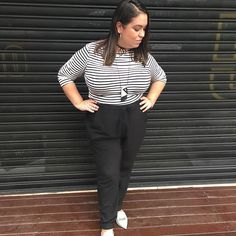 Listras e calça pijama para ontem! Gostaram? #lookdadaphne #lookdodia #ootd #outfitoftheday #moda #fashion #blogueirademoda #fashionblogger #blogdemoda #fashionblog #blogger #blogueira #style #estilo #stripes #listras #black #preto  #rsbloggers #meIhorIook #cbrs2017 #lifeasdaphne