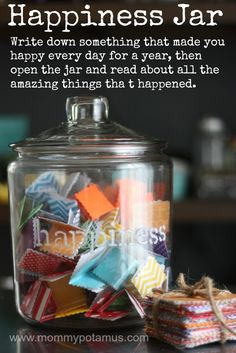 Write down something that made you happy every day for a year, then open the jar and read about all the amazing things that happened. A gratitude jar. Happy Jar, Happy Life, 365 Jar, Little Presents, Happy Thoughts, Positive Thoughts, Organic Recipes, Along The Way, Are You Happy