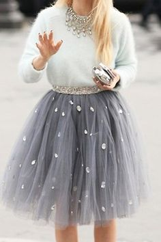 Paris Fashion Week Street Style - tulle skirt and angora sweater Fashion Week, Look Fashion, Paris Fashion, Spring Fashion, Street Fashion, Winter Fashion, Fashion Mag, Holiday Fashion, Fashion Black