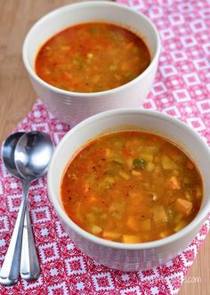 Slimming Eats Spicy Chicken and Vegetable Soup - Gluten Free, Dairy Free, Whole30, Paleo, Slimming World and Weight Watchers friendly