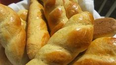 Koulourakia are traditional Greek biscuits that can be eaten all year round, however, they are very popular during the Easter period. Tufo Recipes, Easter Recipes, Greek Recipes, Cooking Recipes, Recipies, Greek Sweets, Greek Desserts, Greek Koulourakia Recipe, Thit Nuong Recipe