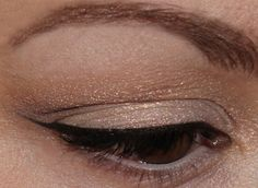 Neutralität – MAC Vanilla Pigment Makeup http://www.magi-mania.de/neutralitat-mac-vanilla/